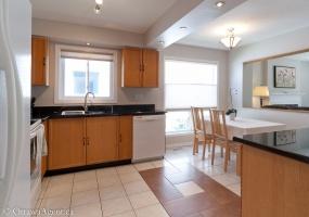 This property has been SOLD or RENTED.,3 Bedrooms Bedrooms,3 BathroomsBathrooms,Detached,Des Serins Lane,1013
