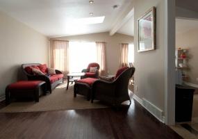 This property has been SOLD or RENTED.,3 Bedrooms Bedrooms,2 BathroomsBathrooms,Detached,1957,1014
