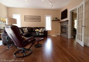 This property has been SOLD or RENTED.,4 Bedrooms Bedrooms,4 BathroomsBathrooms,Detached,Grey Fox Drive,1016