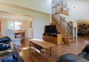 This property is SOLD.,3 Bedrooms Bedrooms,2.5 BathroomsBathrooms,Detached,Quinnfield Way,1019