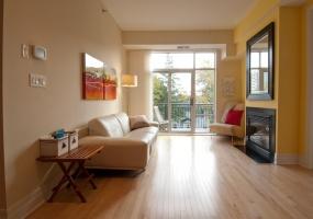 950 Marguerite Avenue,Ottawa,Ontario,2 Bedrooms Bedrooms,2 BathroomsBathrooms,Condo Apartment,Marguerite,308,1007